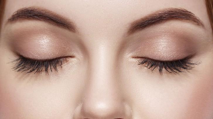 Eyes-Woman-Closed-Eyebrow-Eyes