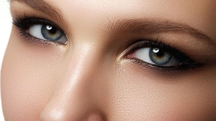woman-eyes-blepharoplasty